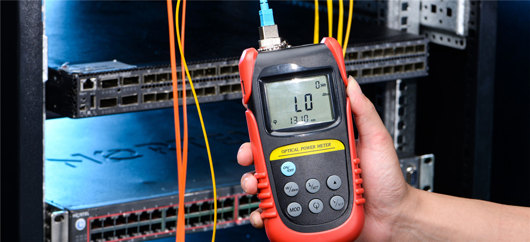 Test Optical Splitters Loss With Optical Power Meter & Light Source