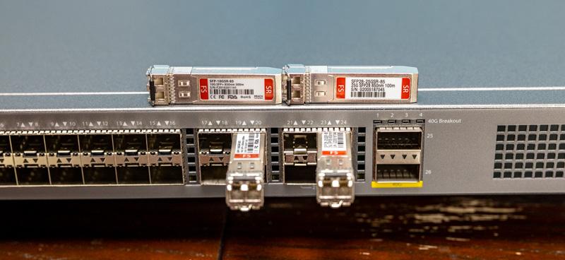 Switch 10G FS connecté avec des modules SFP+ 10G