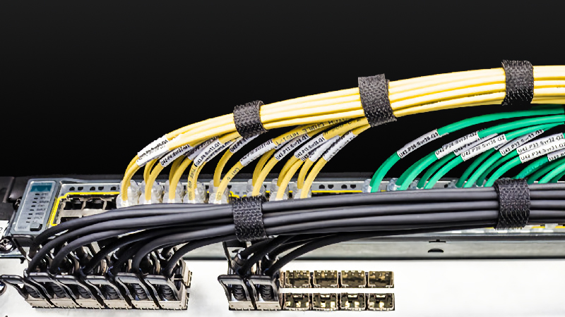 dac-cables-with-cable-manager