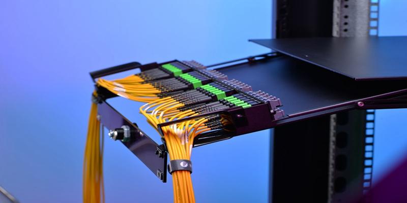 MTP adapter cassette for high-density cabling.jpg