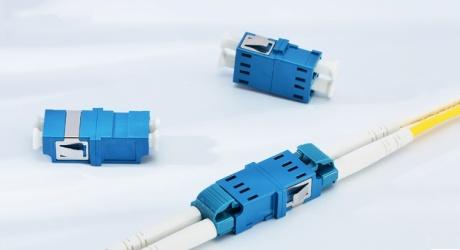 https://media.fs.com/images/community/uploads/post/202004/16/9-fiber-optic-adapter-coupler-9.jpg
