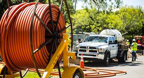 https://media.fs.com/images/community/uploads/post/202005/15/25-fiber-optic-cable-installation-tips-5.jpg