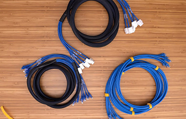 https://media.fs.com/images/community/uploads/post/en/news/images_small/17-pre-terminated-copper-trunk-cables.jpg