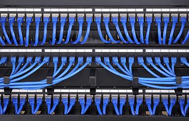 https://media.fs.com/images/community/uploads/post/en/news/images_small/23-cat6-6a-trunk-cables.jpg
