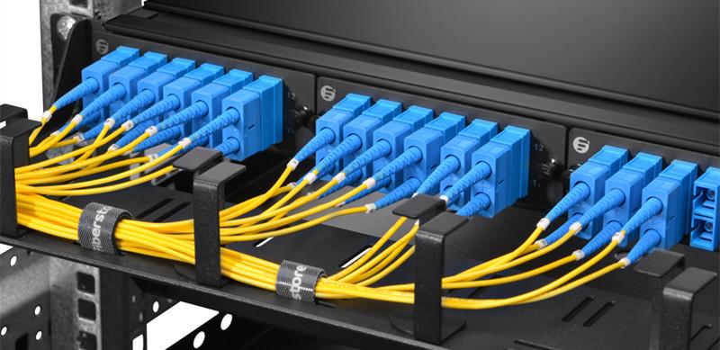 https://media.fs.com/images/community/wp-content/uploads/2012/09/Single-mode-fiber.jpg