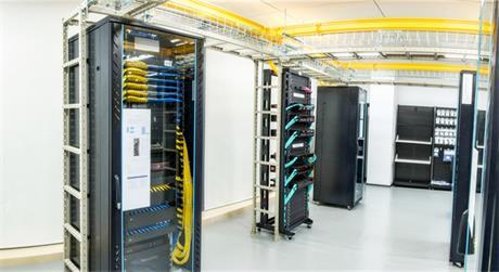 https://media.fs.com/images/solution/data-center-cabling.jpg