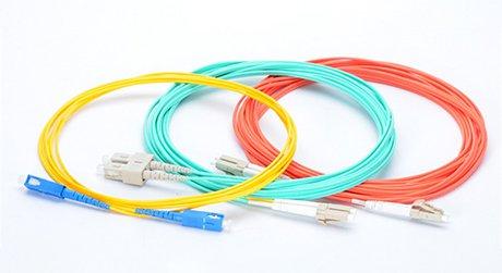 https://media.fs.com/images/solution/fiber-optic-connector.jpg