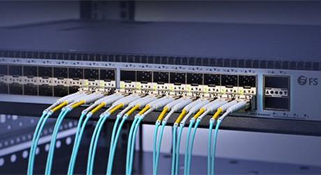 https://media.fs.com/images/solution/om3-vs-om4-cable.jpg