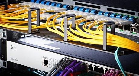 https://media.fs.com/images/solution/polarization-maintaining-fiber.jpg